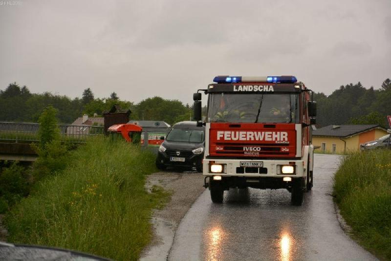 T03 Verkehrsunfall, Fahrzeugbergung, binden von Betriebsmittel